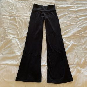 LuluLemon Yoga Pants - Black